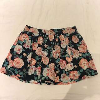 Printed Skirt With Inbuilt Shorts M