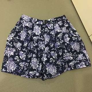 UNIQLO 全新 花花短褲 褲裙 尺寸在照片中