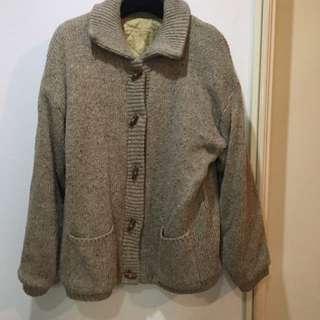 韓國購入-超保暖牛角扣針織外套