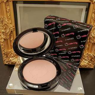 New Authentic MAC Lmtd Edt 'HELLO KITTY' BEAUTY POWDER in 'PRETTY BABY'. COLLECTORS ITEM!!!