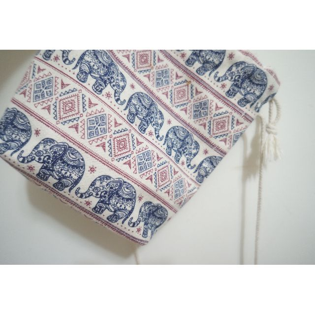 大象圖騰側背包