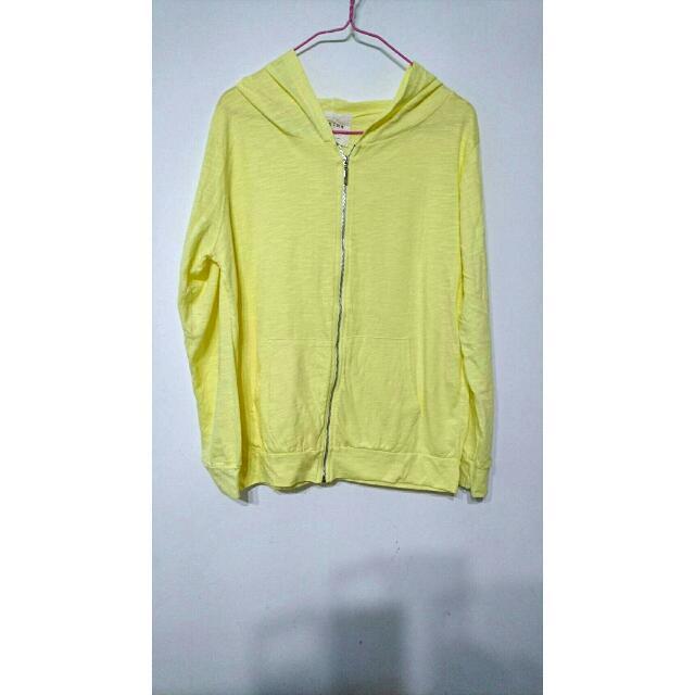 簡約素面黃色薄外套