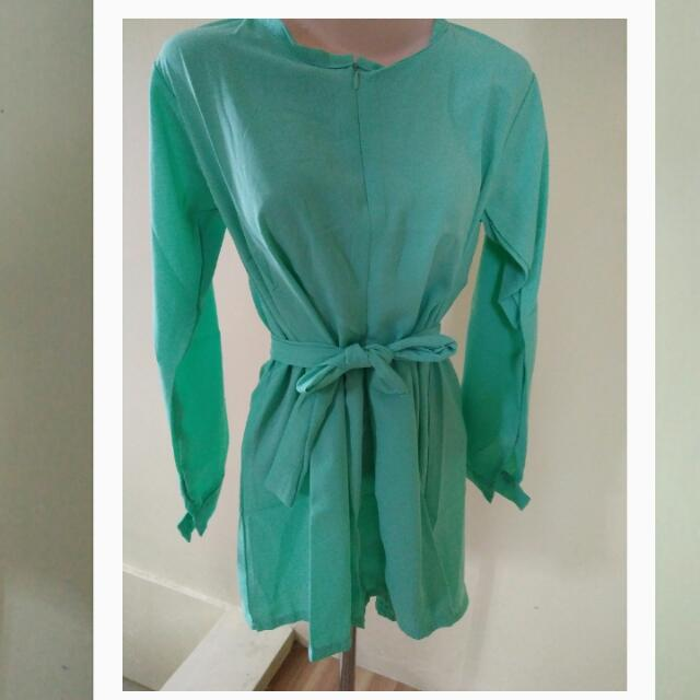 alona top green