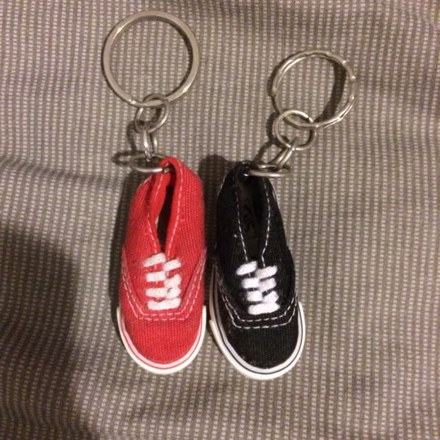 authentic Vans Off The wall Shoe Keychain - Black And Red