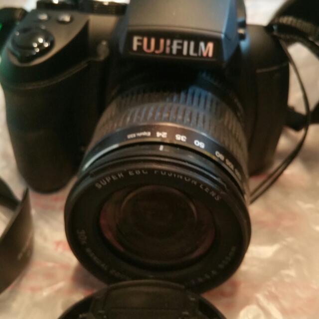 Fujifilm HS30 EXR