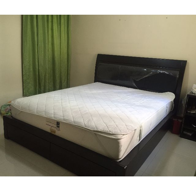 Queen size bed frame (free mattress)
