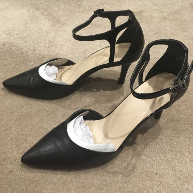 Sandler Leather Pointed Heels Size 6.5B