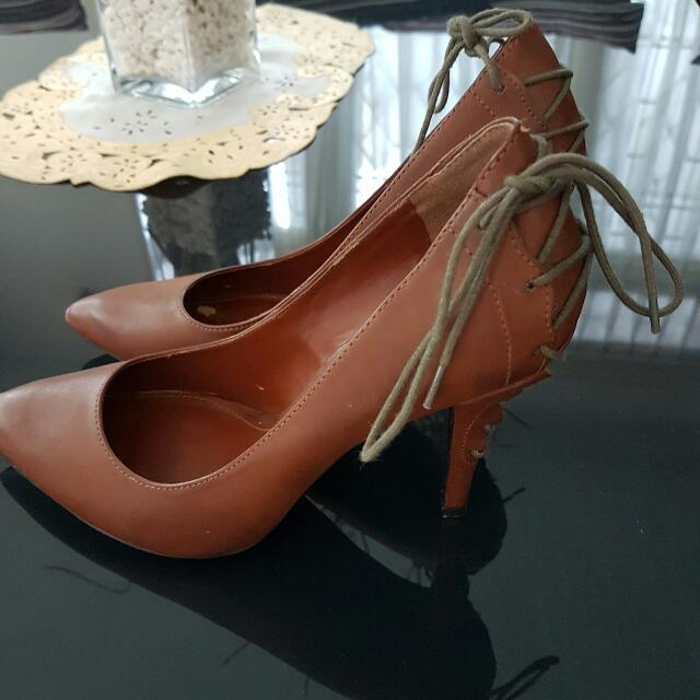 Sepatu Charles And Keith Authentic