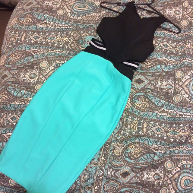 Sheike Cut-out Dress Size 6 (8)
