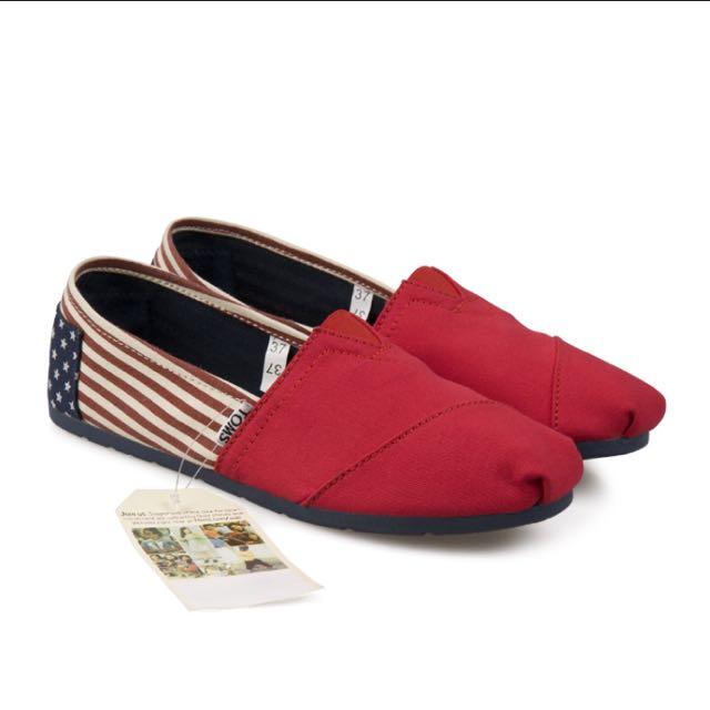 Authentic Toms Shoe USA flag