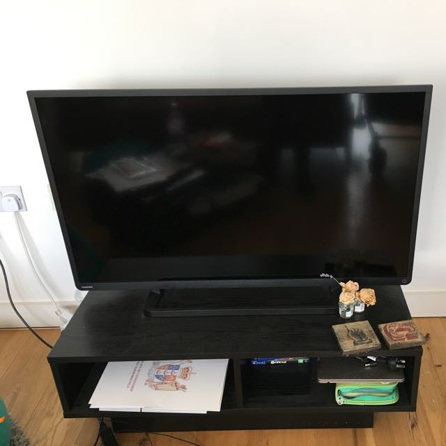 "Toshiba 40"" inch LCD  &  LED  TV"