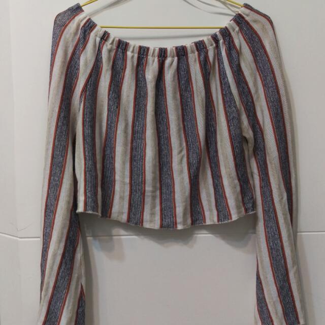 ZARA 棉麻直條紋寬領短版上衣