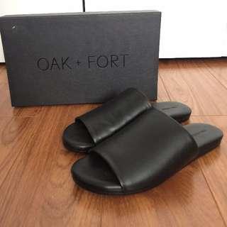 Oak + Fort Black Slip On's Flip Flops Size 6 Womens