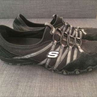 Sketchers Walking Shoes