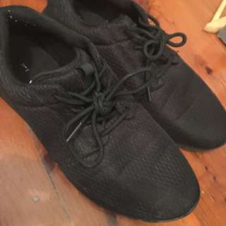 Black Casual Style Running Shoes 9