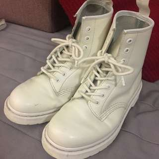 *Reserved*Dr.Martens White Boots(Authentic)