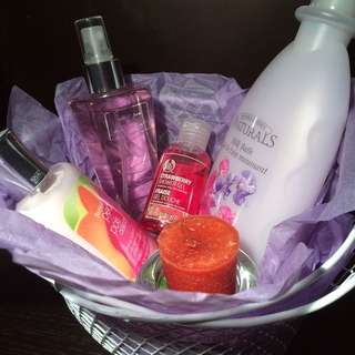 Bath & Beauty Gift Basket