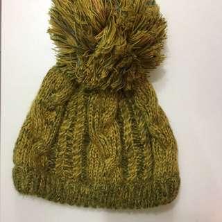 芥黃色超大球球毛帽