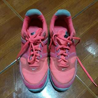 Repriced !!!!original nike shoes size 8us
