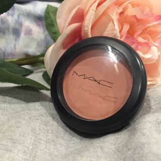MAC blush Melba