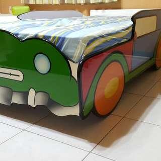 兒童汽車床