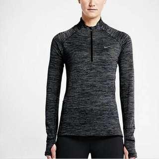 Nike上衣