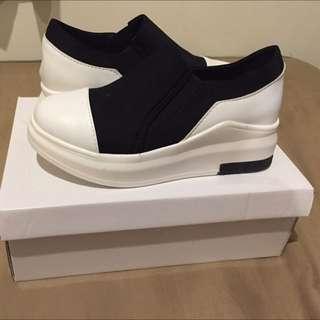 內增高休閒鞋