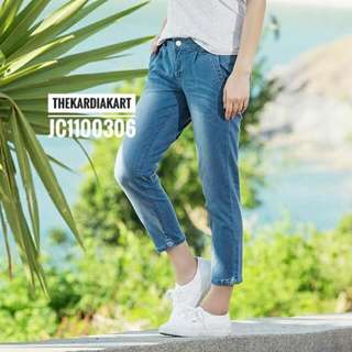 JC1100306 Capri Jeans