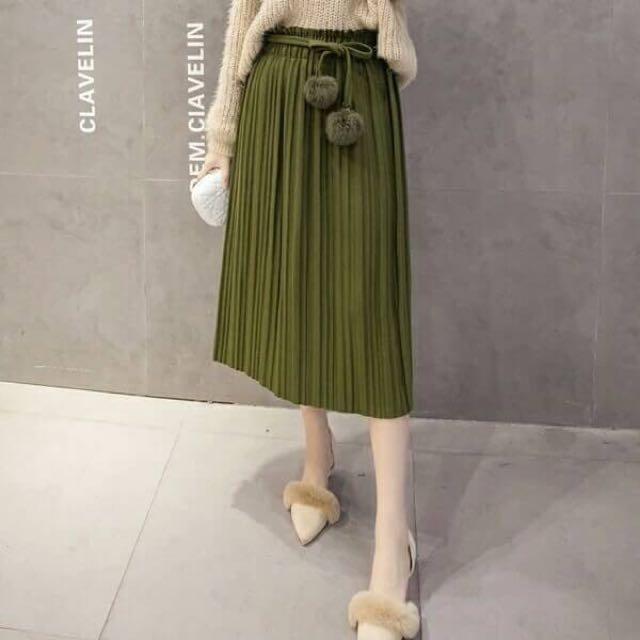 韓系-復古厚棉毛料百褶長裙(附毛球綁帶)