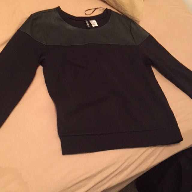 Black sweatshirt From h&m
