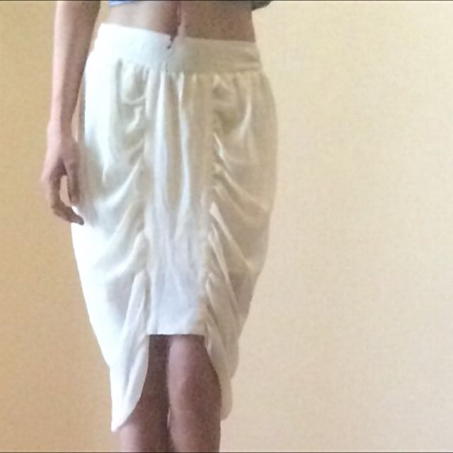 Cream Fashionable Skirt