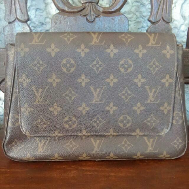 Sale @3000! Auth LV Bag
