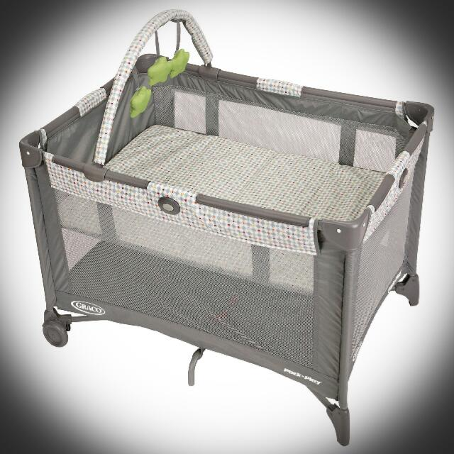 SELLING LOW!!!Graco Pack and Play Crib/Playpen