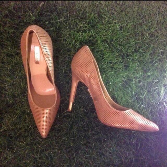 Guess Gold Heels