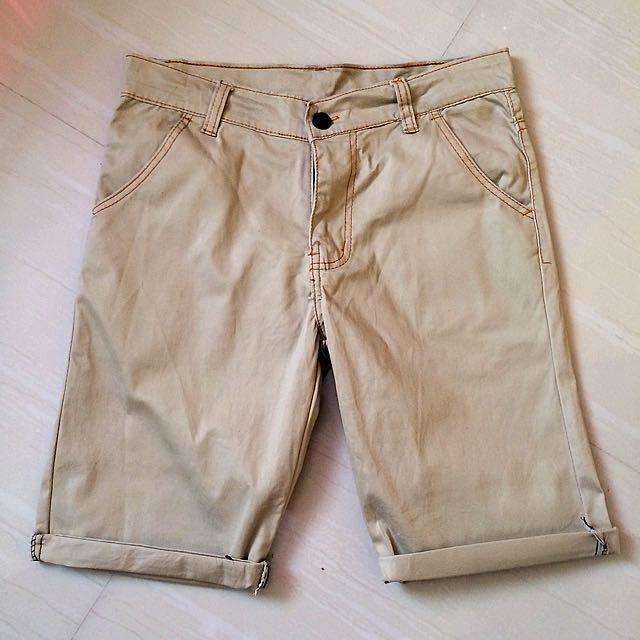 📌SOLD Khaki Shorts, No Brand