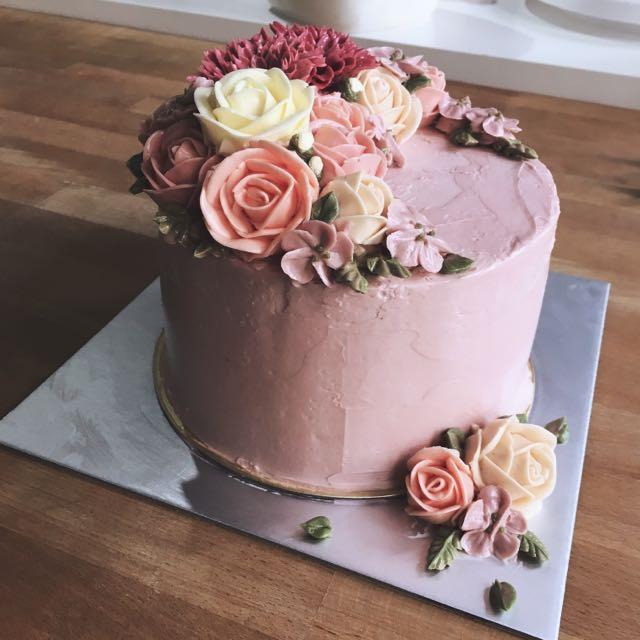 Korean Wedding Flowers: Korean Buttercream Flower Cake, Food & Drinks, Baked Goods