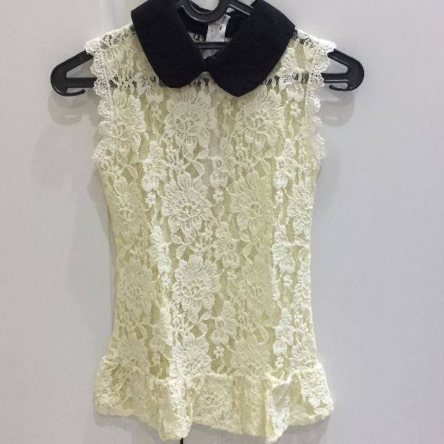 Lacey top with peterpan collar