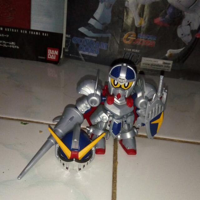 Legend BB Knight Gundam (SD) (Gundam Model Kits)
