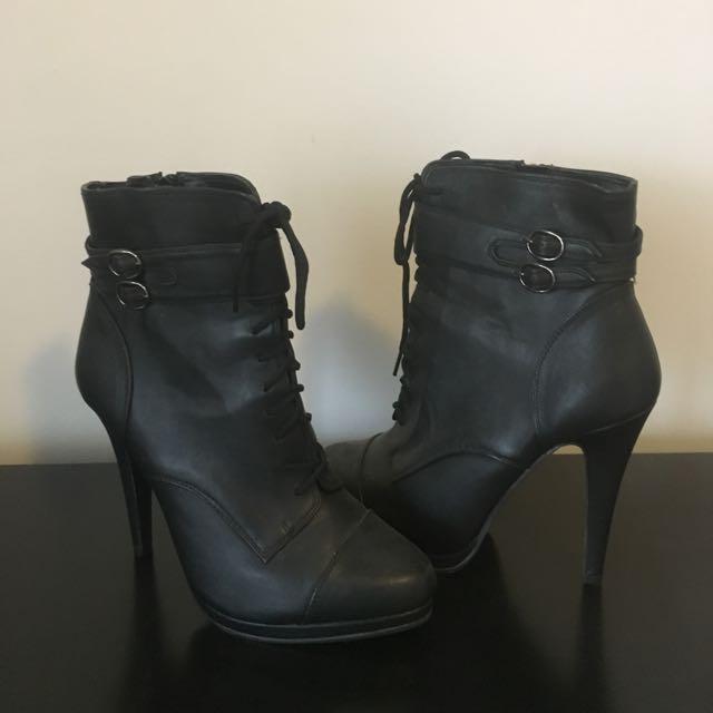 Miss Shop Boot Heel - Size 9