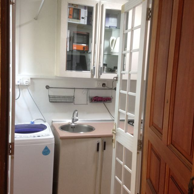 Studio Apartment For Rent. Outram. no Agent. No Owner