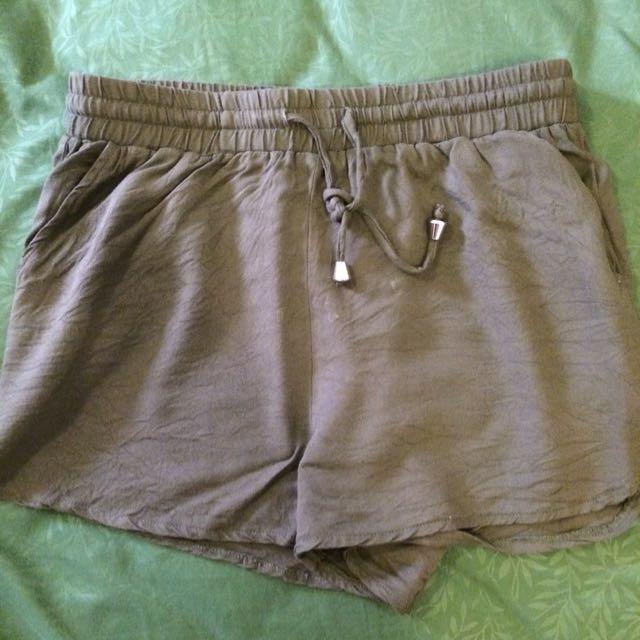 Temt Army Green Linen Runner Shorts