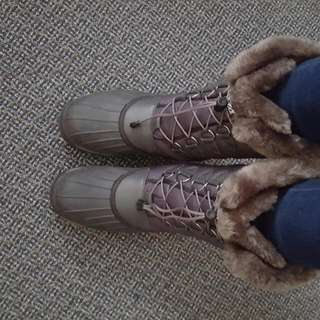 Baffin Winter Boots! 175$in Store, I Wore It  Just Twice, Selling It For 100$.