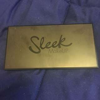 Sleek i-Divine Eyeshadow Palette - A New Day