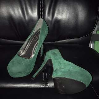 Elegant Emerald Green High Heels