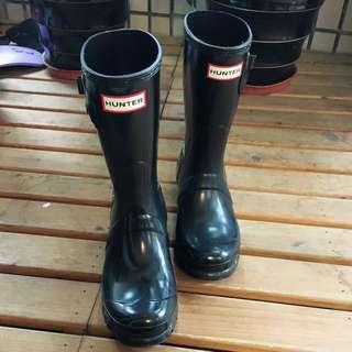 Hunter中款雨鞋 9.9成新 只穿過一次 今年美國購入