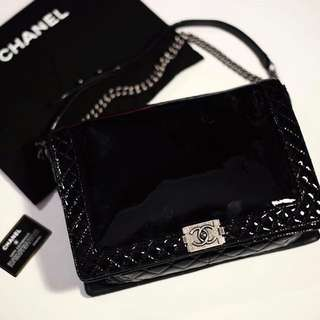 chanel boy maxi xl patent leather