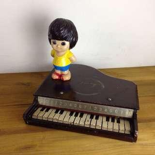 早期木製咖啡色兒童鋼琴 古玩老件 陳列道具