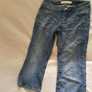(Reserved) To Give Away : Giordano Jeans Drop Waist Capri Fit. Size 26