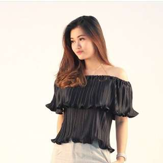 Scellra Off Shoulder