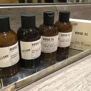 Big bottles: Le labo Toiletries Set 90ml